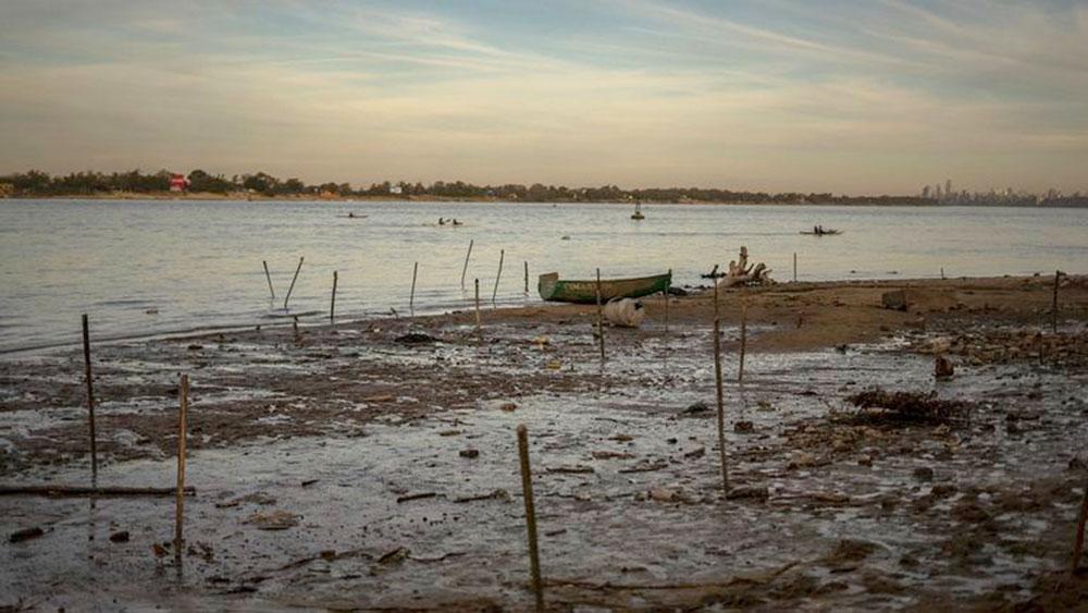"""historica-bajante-del-rio-parana:-nacion-declaro-la-""""emergencia-hidrica""""-por-180-dias"""