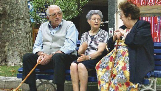 jubilados-y-pensionados:-que-es-el-programa-alimentario-pami-y-quienes-lo-cobran