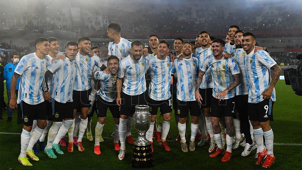 argentina-dio-la-vuelta-olimpica-ante-su-gente
