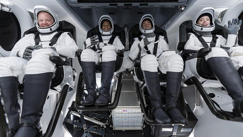 por-primera-vez,-cuatro-astronautas-no-profesionales-orbitaran-alrededor-de-la-tierra