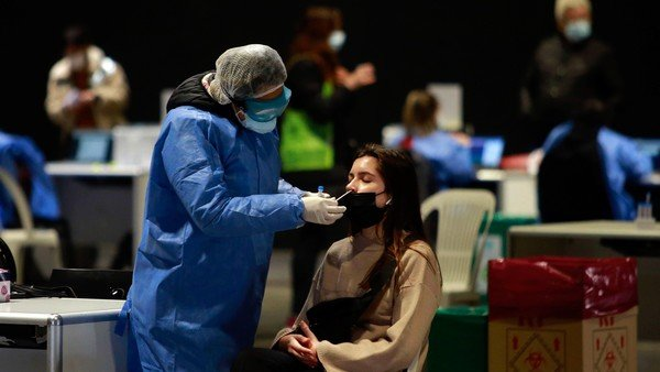 coronavirus-en-argentina:-confirman-2.297-nuevos-casos-y-otras-239-muertes-en-las-ultimas-24-horas