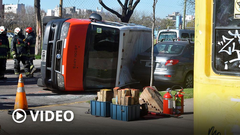 cinco-ninos-resultaron-heridos-por-el-choque-entre-una-combi-escolar-y-una-camioneta