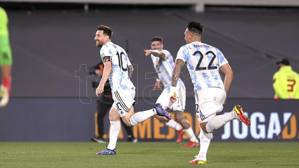 argentina-se-floreo-ante-uruguay:-lo-goleo-y-esta-cada-vez-mas-cerca-de-qatar