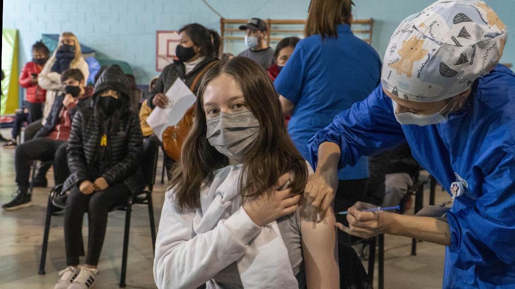 avanza-la-vacunacion-de-ninos-y-adolescentes-de-entre-12-y-17-anos-en-todo-el-pais