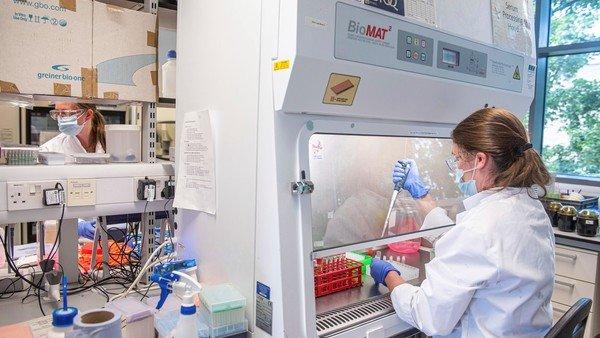 astrazeneca-anuncio-resultados-positivos-en-los-ensayos-de-su-coctel-de-anticuerpos-contra-el-covid-19