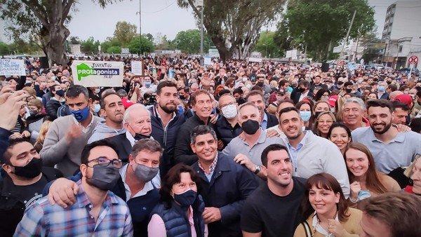 """la-oposicion-marcha-para-que-reabra-el-aeropuerto-de-el-palomar:-""""cerrarlo-es-clausurar-el-futuro-del-pais"""""""
